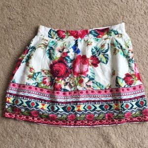 Real cute lined floral skirt sz M!  Side zip